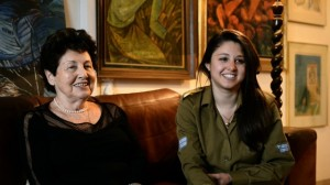 Eva Levi with her granddaughter Anne foto http://www.idfblog.com/