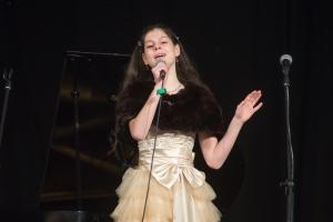 sings Anna Yudelson