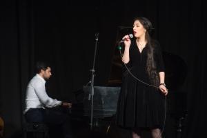 sings Ornella Rudevicha 2