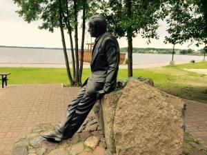 памятник Зиновию Гердту в Себеже foto http://jennyferd.livejournal.com/