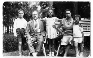 Vestermaņu ģimene, 1929.g. foto no M.Vestermaņa personiskā arhīva  https://www.rigaslaiks.lv/
