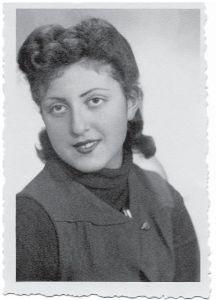 Рута Шац-Марьяш в студенческие годы foto http://www.isrageo.com/